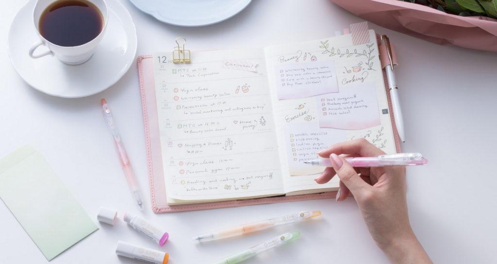 日本文具品牌PILOT「 ILMILY粉彩色系果汁筆」,夢幻唯美的淡彩色筆身與墨水受到少女喜愛|誠品書店