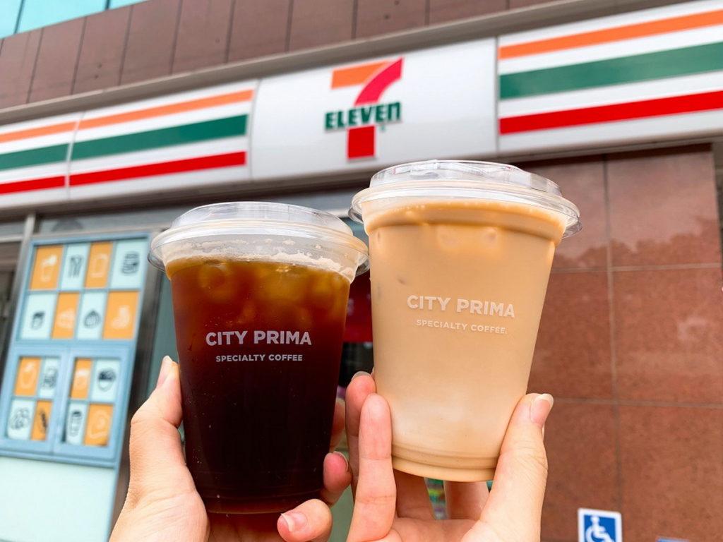 再現+0! 7-ELEVEN祭出精品拿鐵、精品美式咖啡同品項買1送1優惠(各限定4萬組,冷熱可互換).