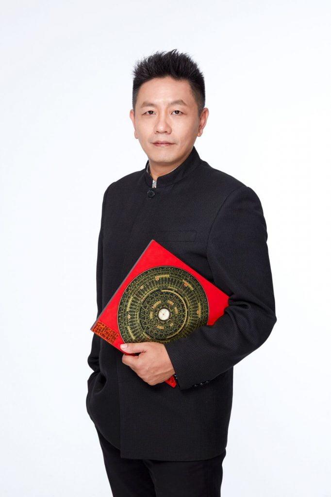 鍾坤宏老師除了佛具雕刻和油畫之外,還熟知道教儀軌