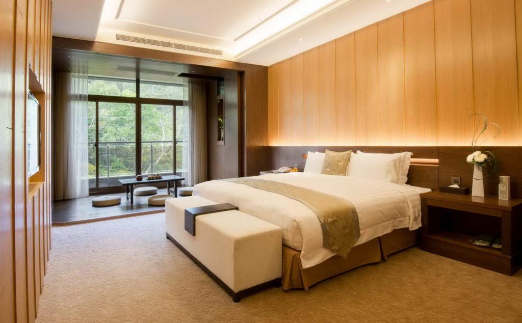 「日月潭馥麗溫泉大飯店」風格典雅細緻,可以讓旅人舒適休息。(圖片由Booking.com提供)